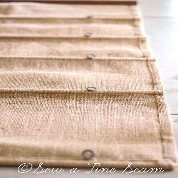 Burlap Roman Shade -  Super simple instructions on how to sew a Burlap Roman Shade – Jill is a se
