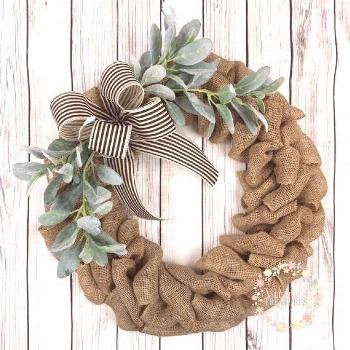 Decorate your home this season with this adorable wreath! Great size to display on a gallery wall,